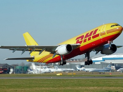 airplane-dhl.jpg